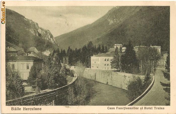 Baile Herculane - Casa functionarilor si Hotel Traian - 1936   Okazii.ro