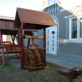 Fantana din lemn rustic