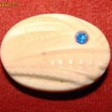 BROSA PLASTIC OVALA CU PIETRICICA ALBASTRA