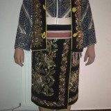 COSTUM POPULAR ARGESEAN PESTE 40 ANI - tesatura textila