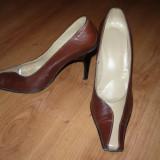 Pantofi maro cu bej, din piele naturala, toc inalt, nr. 38