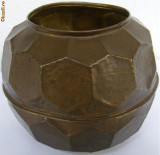 Vaza din alama forma deosebita