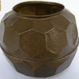 Vaza din alama forma deosebita - Metal/Fonta