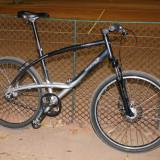 Bicicleta city Decathlon Triban Road 5 - Bicicleta de oras, 18 inch, 26 inch, Numar viteze: 7, Aluminiu, Negru-Gri