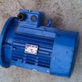 Motor trifazic cu flansa 2.2KW 940rpm  940 rotatii  220 / 380V