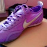 Adidasi Nike femei marime 37.5, 36 2/3, Corai