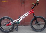 VAND URGENT bicicleta trial