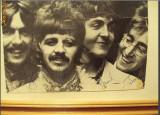 Vand Poza The Beatles cu cei 4 din formatie plus semnaturile lor in original ( autografe) plus alte discuri din anii 1963-1965.
