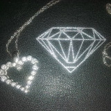 Lantisor cu pandantiv din aur alb cu diamante inimioara