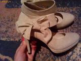 Vand pantofi dama eleganti, 35.5, Argintiu, Cu toc