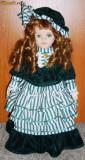 Papusa portelan / de colectie - marcata- model baroc - imbracaminte originala