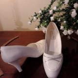 pantofi albi mireasa