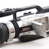 Vând cameră-video Canon xm2 stare fb. nota9.5 din 10, Intre 2 si 3 inch, Mini DV, CCD, 20-30x