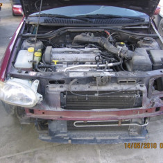Dezmembrez Ford Escort 1.6i, 16v, 1997 - Dezmembrari Ford