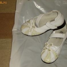 PANTOF ALB LAC mar.25 - Pantofi copii, Fete