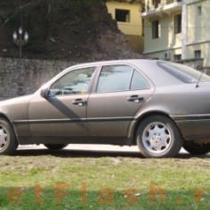 Dezmembrez mercedes benz C200 model w202 - Dezmembrari Mercedes-Benz