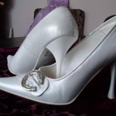 Pantofi dama din piele albi (sidef) mireasa - Pantof dama, Marime: 35.5
