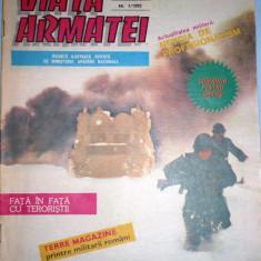 VIATA ARMATEI. REVISTA ILUSTRATA CU POSTER ELICOPTER APACHE