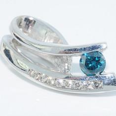 Superb pandantiv aur alb 14K cu diamante blue si albe 0, 33CT, 14 carate