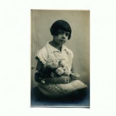 H FOTO 79 Fetita cu buchet de flori -Foto-Lux Zalevsky, Braila