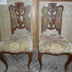 Pereche scaune sculptate manual antice, vechi - 2 bucati