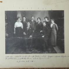 Foto pe carton , familie de preoti , Iasi , 1916