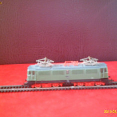 Locomotiva electrica model TT tip E42-018