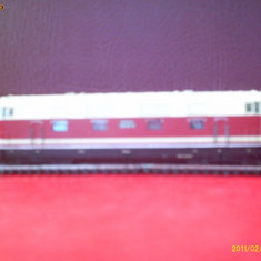 Locomotiva model TT diesel-electrica tip 118146-0