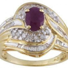 Inel de aur cu montura de rubin rosu si diamante naturale
