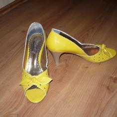 Pantofi, sandale galbeni, galbene din lac, superbe! - Sandale dama, Bronz, Marime: 36.5
