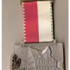 CIA 163 Medalie heraldica(caruta cu butoaie, probabil de bere) - interesanta -(germana) - Medalii Romania