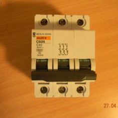 Intrerupator automat tripolar tip C60N 3P de la 10 la 63A - Tablou electric si siguranta