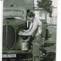 601 - Romania WW II - Camion si militar 1941 - real foto 9 / 7 - Fotografie veche