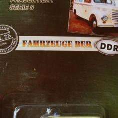 1/64 DDR-,, FRAMO'' V90 1/2-ambulanta +1699 DE LICITATII !! - Macheta auto