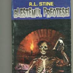 Blestemul preotesei - R. L. Stine - Carte Horror