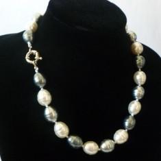 Colier perle de cultura vale metalizat 1, 5 cm lungime cutie cadou