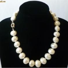 Colier Perlele de Tahiti: ovale 2 cm lungime cutie cadou
