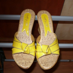 Papuci, platforme, sandale, Galbene din lac, nr. 38, NOI! - Sandale dama, Bronz, Marime: 36.5