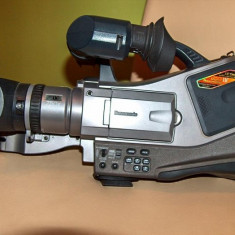 Panasonic MD 9000 - Camera Video Panasonic, 2-3 inch, Mini DV, CMOS