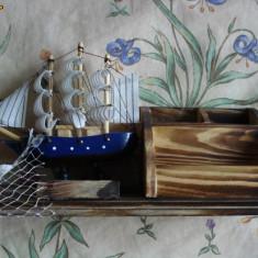 Macheta corabie panza lemn compartimente mester vopsit manual - Macheta Navala