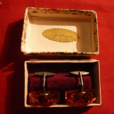 Pereche Butoni vechi in cutie originala