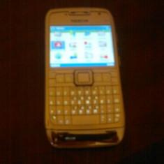 Vand nokia e71 original - Telefon mobil Nokia E71, Alb, Neblocat