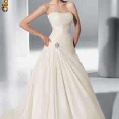 Vand rochie de mireasa DEMETRIOS - Rochie de mireasa printesa