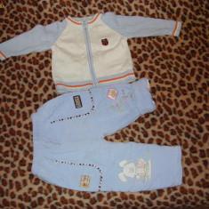 Costumas veluri matlasati +pulover