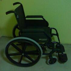 Carucior pentru persoanele cu dezabilitati - Scaun cu rotile