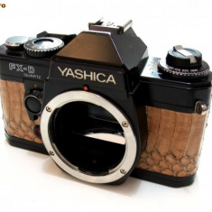 Aparat foto Yashica FX-D Quartz imbracat in piele de sarpe naturala - Aparate Foto cu Film