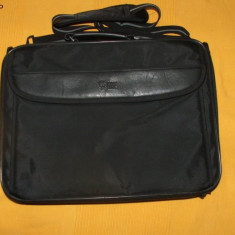 Geanta laptop CASE LOGIC, Nailon, Negru