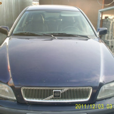 VOLVO V40 1, 9 DIESEL - Dezmembrari Volvo