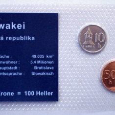 5.301 SLOVACIA SET 3 MONEDE UNC IN FOLDER 10H 2002, 20H 2001, 50H 2006, Europa