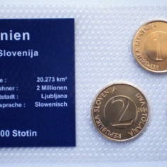 5.300 SLOVENIA SET 3 MONEDE UNC IN FOLDER 1T 2000, 2T 2004, 5T 2000, Europa